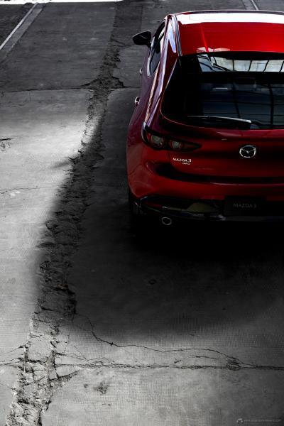 04_Mazda3_5HB_EXT_3