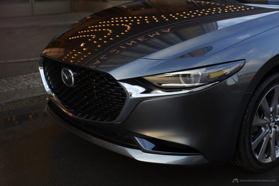 17_Mazda3_SDN_EXT_3