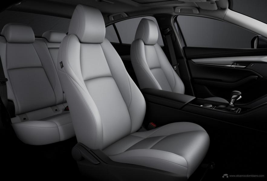 33_Mazda3_SDN_5HB_INT_FrontSeat_White