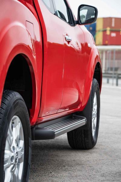 Nissan Navara King Cab - Side step
