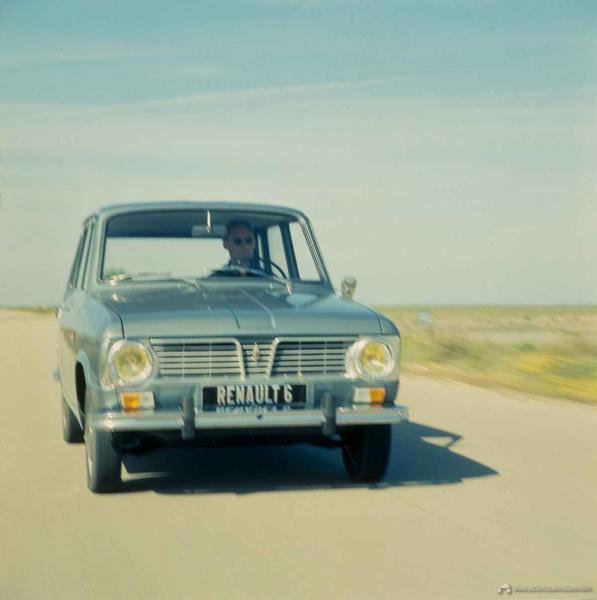 Renault_6-12709