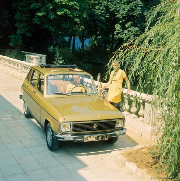 Renault_6-12712