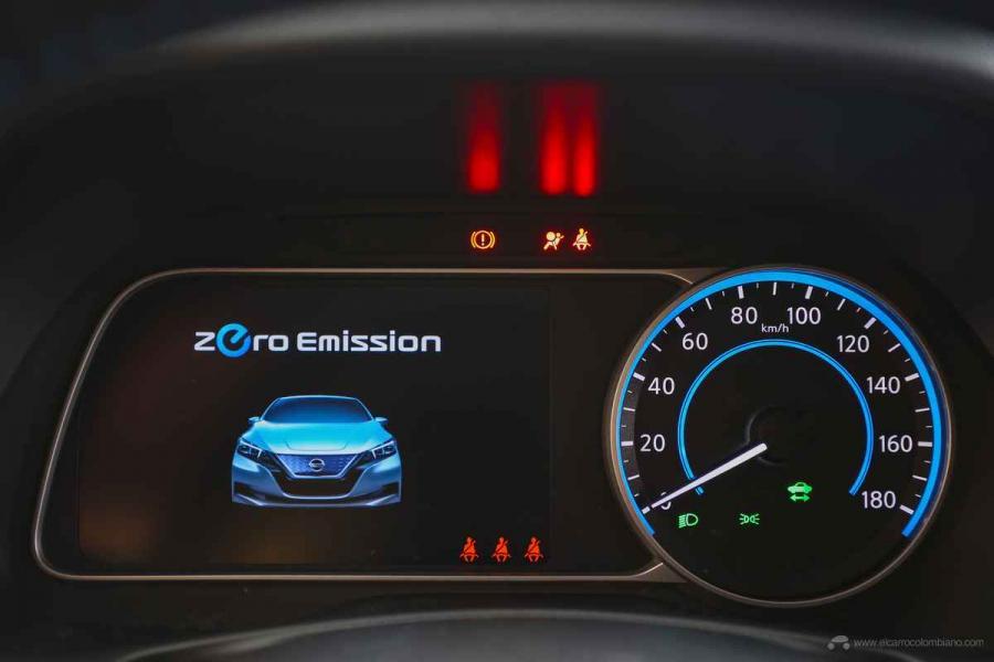 Nissan-LEAF-2020-Telas-Painel-TFT-11