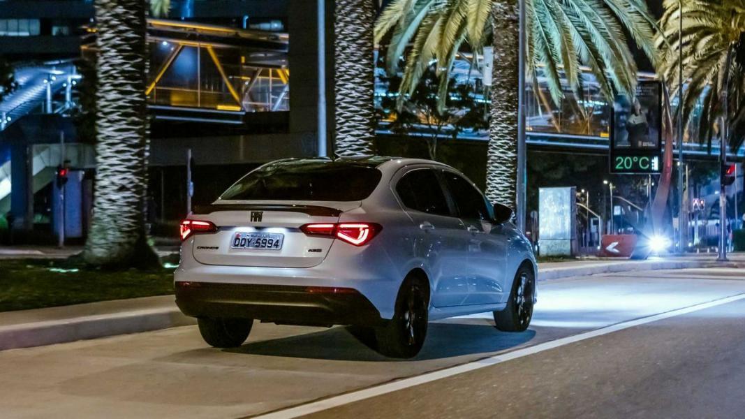 Fiat-Cronos-HGT-2020-34