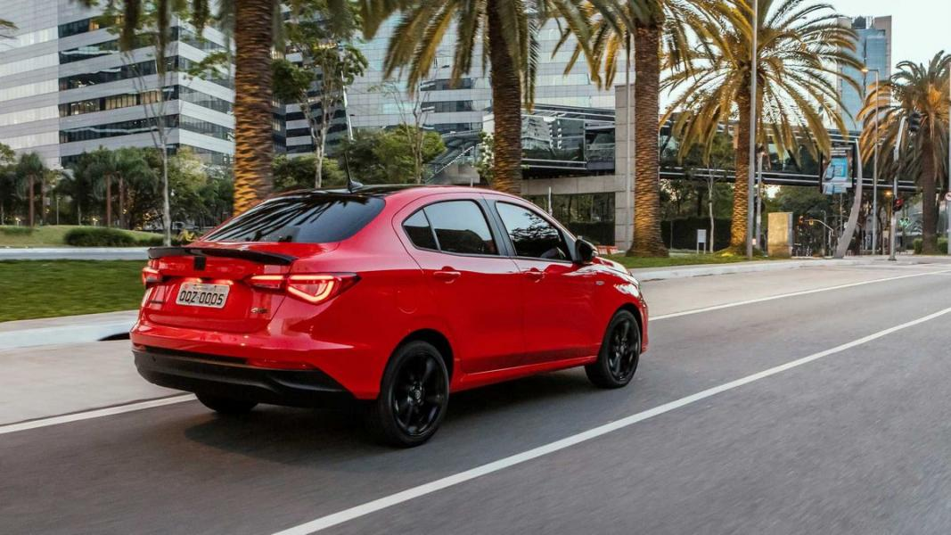 Fiat-Cronos-HGT-2020-45