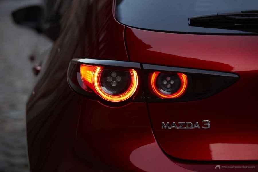 2018_Mazda3_5HB_19CY_BRD_2nd_JPN_RHD_C13_EXT_Rear