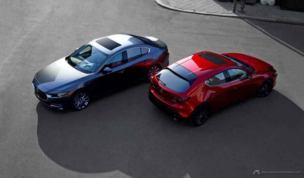 2018_Mazda3_SDN_5HB_19CY_BRD_1st_GER_LHD_C28_EXT_FQ_RQ_Gran-Touring-LX
