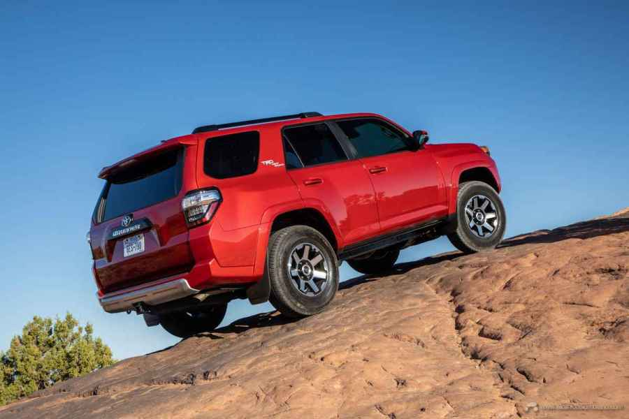 20_Toyota_4Runner_TRD_Off-Road_02