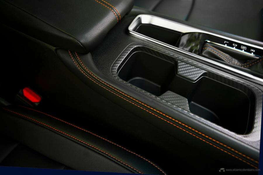 2019-Nissan-Sentra-B-30