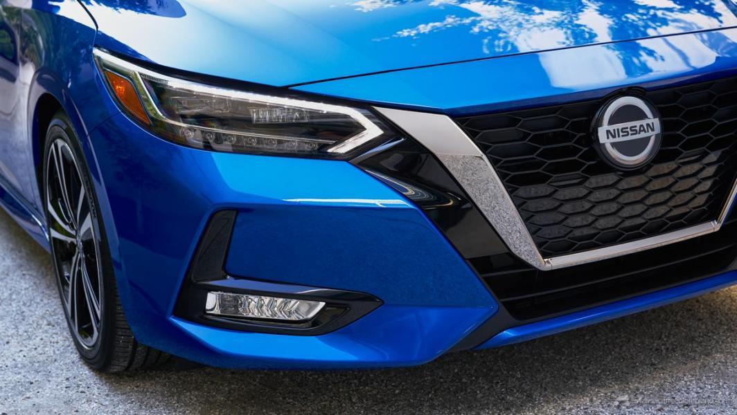 2019-Nissan-Sentra-B-6