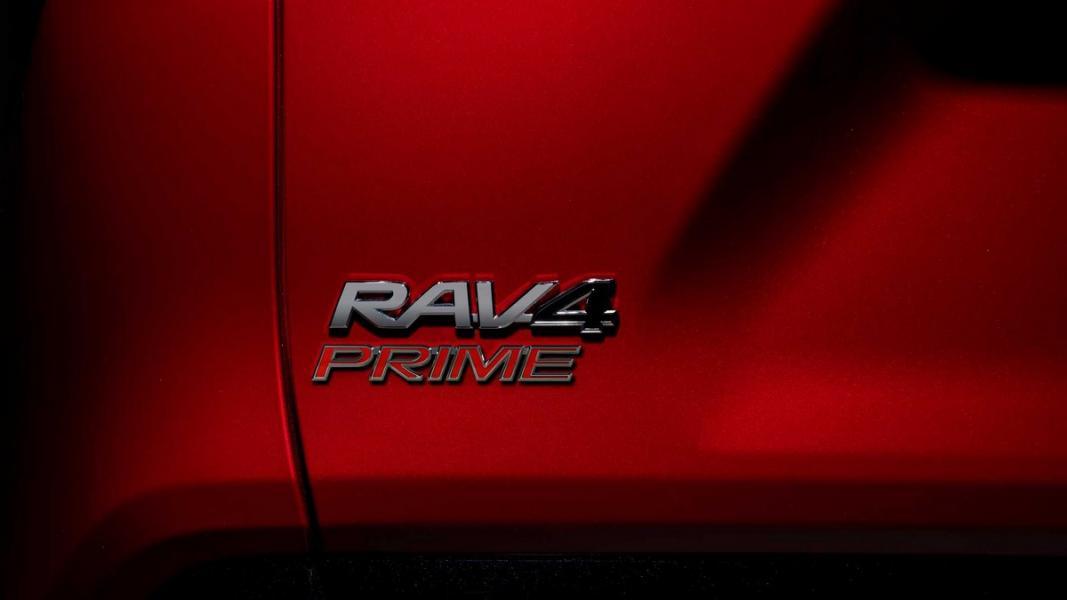 2021-toyota-rav4-prime-17