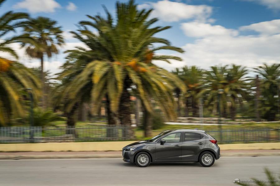 2020-Mazda2_Machine-Grey_Action_12_hires