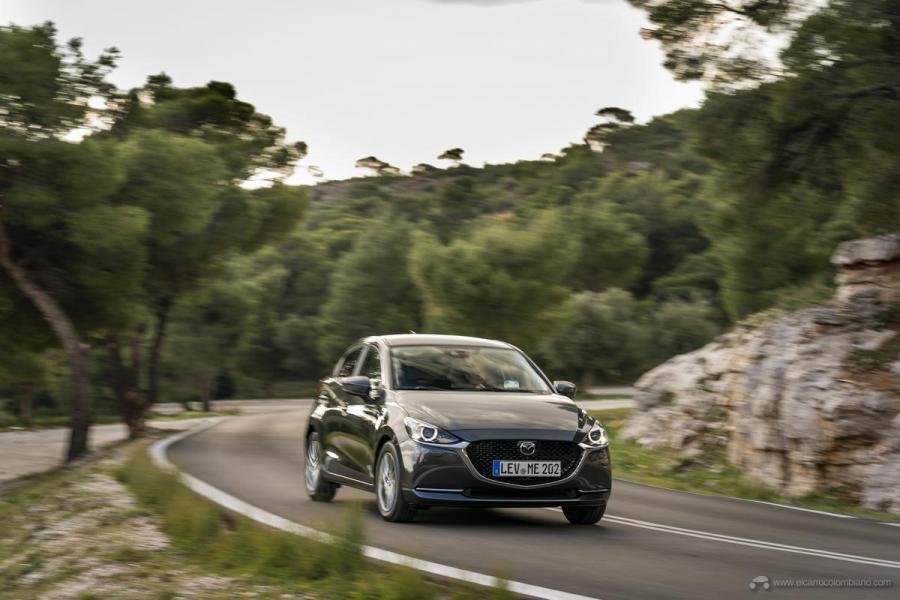 2020-Mazda2_Machine-Grey_Action_16_hires