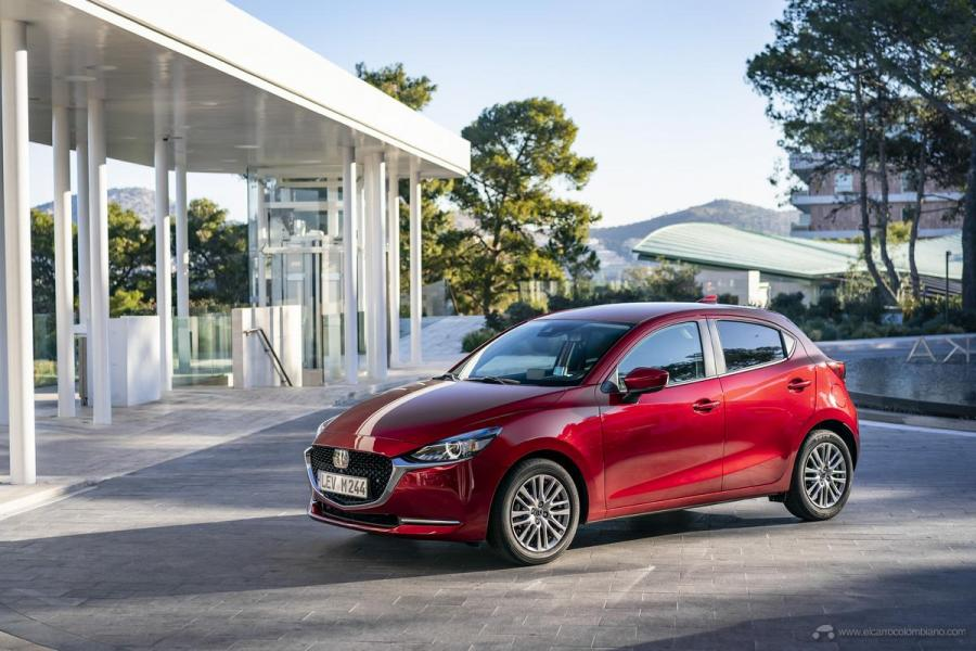 2020-Mazda2_Soul-Red-Crystal_Still_47_hires