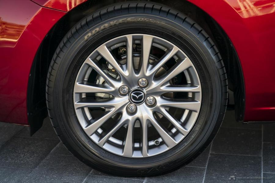 2020-Mazda2_Soul-Red-Crystal_Still_60_hires