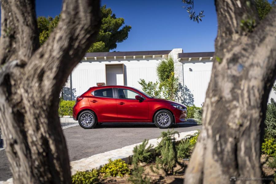 2020-Mazda2_Soul-Red-Crystal_Still_62_hires