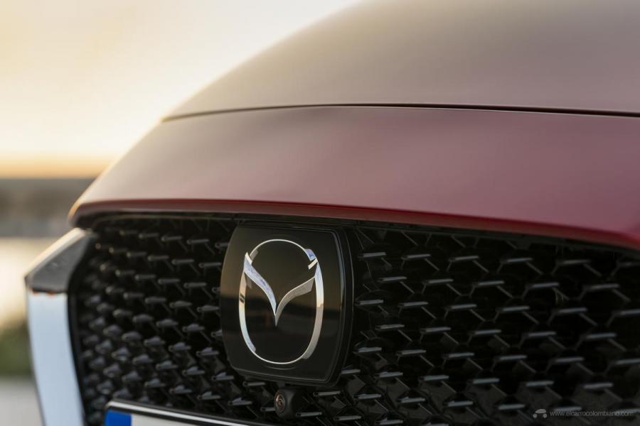 2020-Mazda2_Soul-Red-Crystal_Still_67_hires