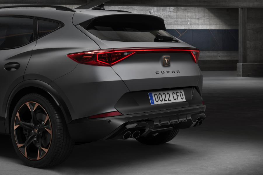 Covers-come-off-the-CUPRA-Formentor_12_HQ