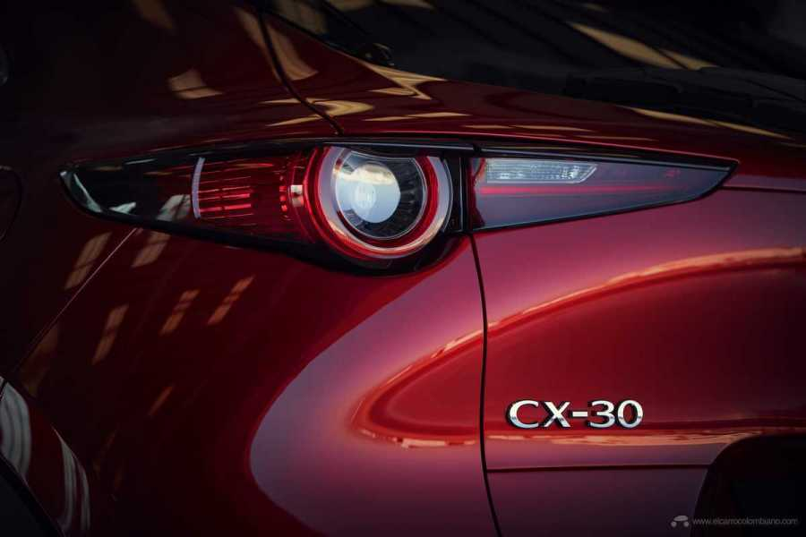 Mazda-CX-30_at_2019GIMS_15_hires