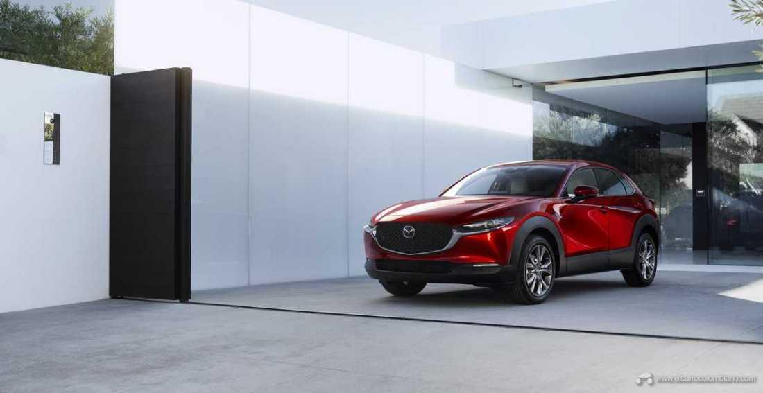 Mazda-CX-30_at_2019GIMS_1_hires