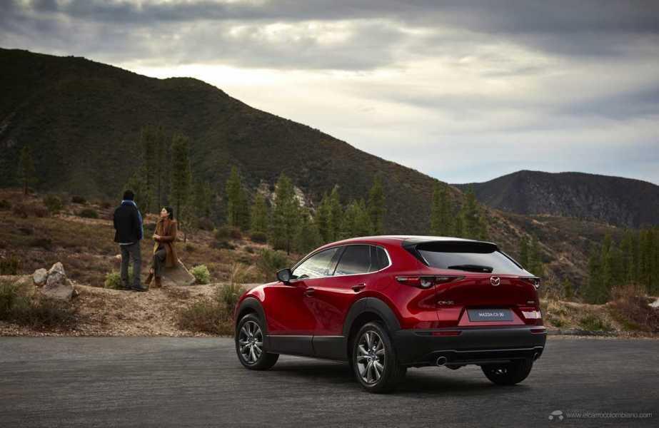 Mazda-CX-30_at_2019GIMS_9_hires