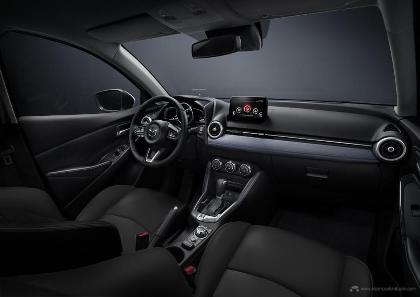 Mazda2_SDN_HB_C07_GrandTouring_LX_Int_AT