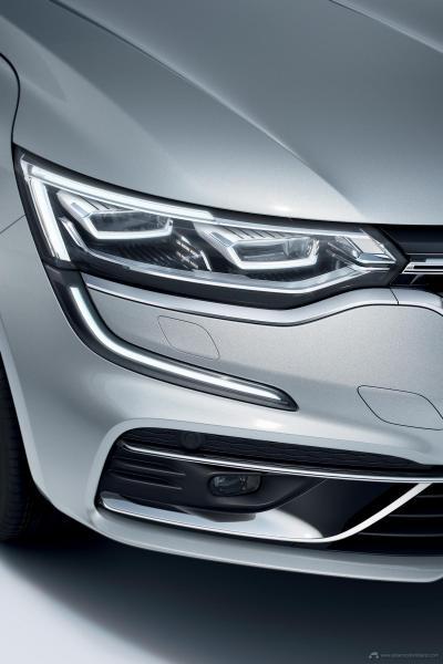 2020-New-Renault-TALISMAN-09