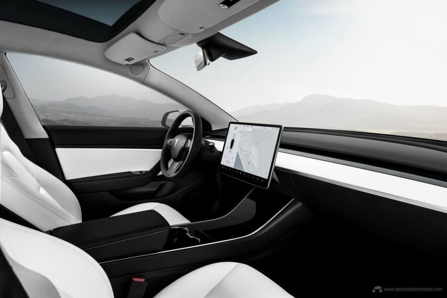 Model-3-Performance-White-Interior-Touchscreen