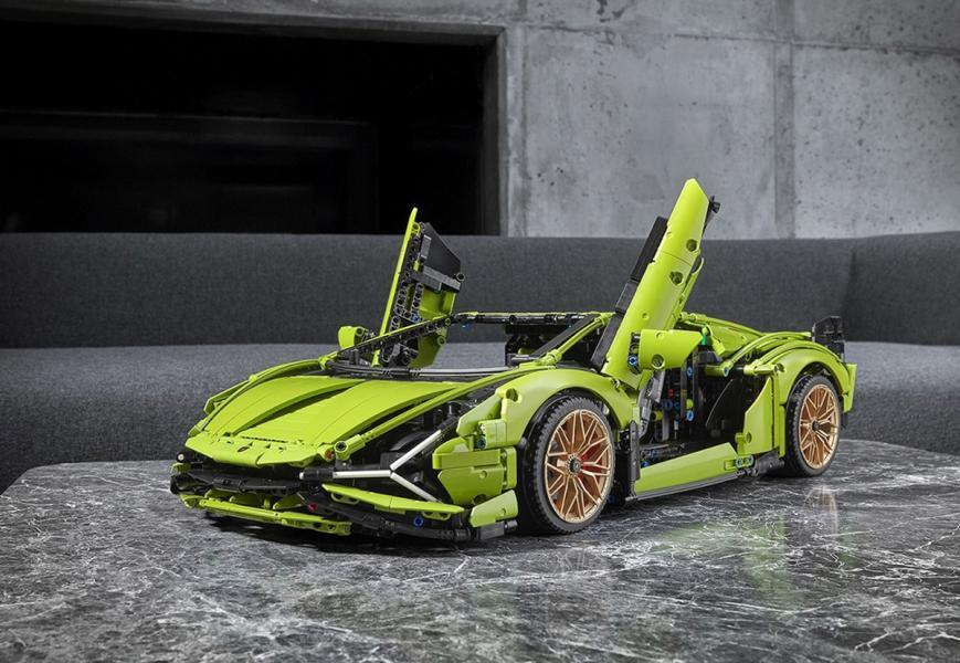 20200601-Lamborghini-Lego-01