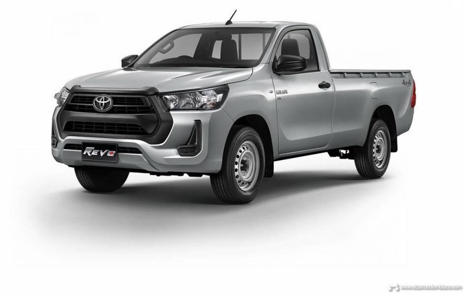 2021-Toyota-Hilux-02