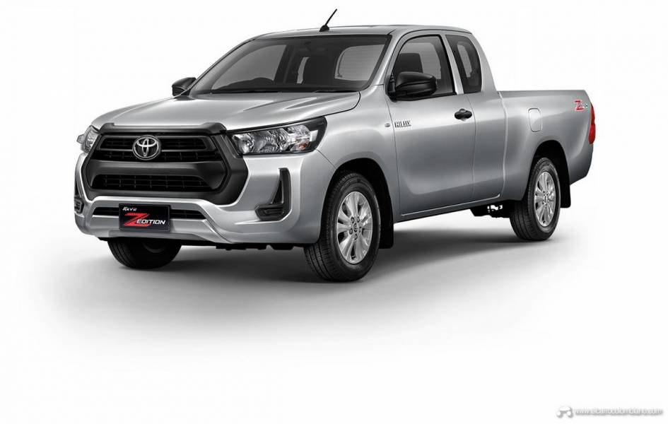 2021-Toyota-Hilux-06