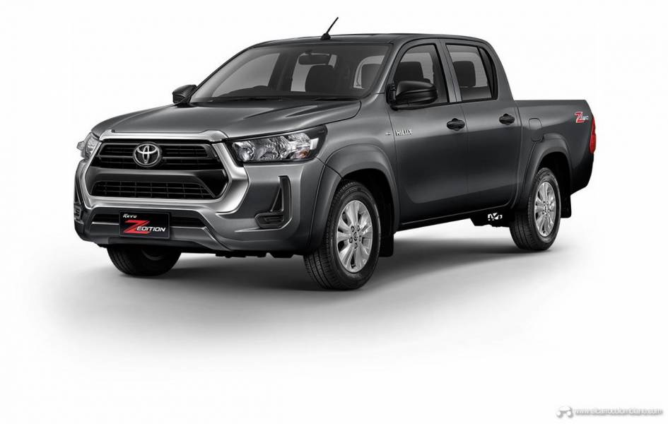 2021-Toyota-Hilux-07