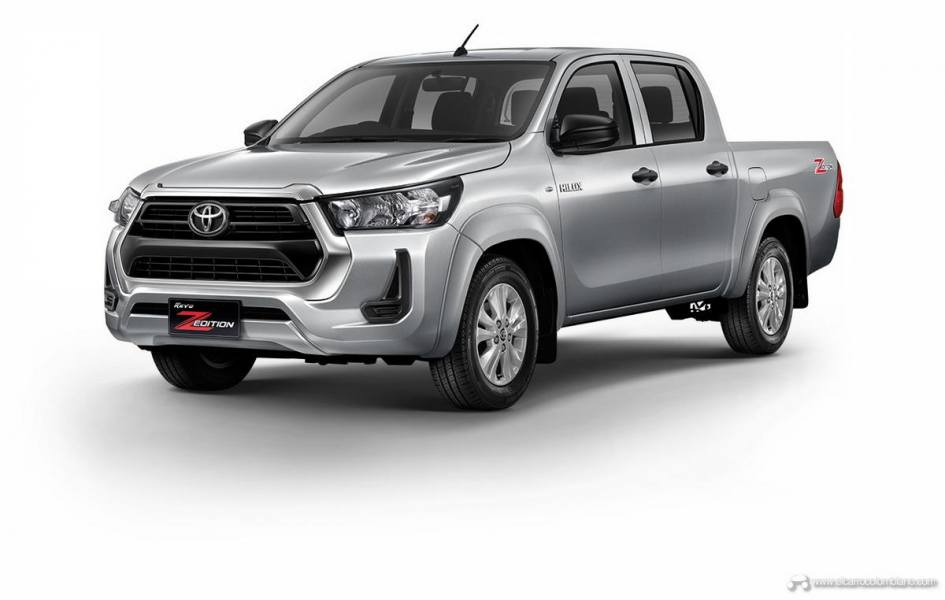 2021-Toyota-Hilux-08