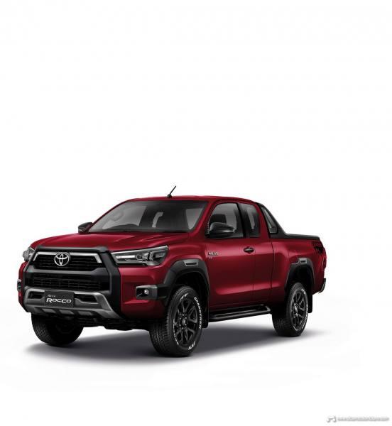2021-Toyota-Hilux-17