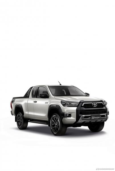 2021-Toyota-Hilux-19