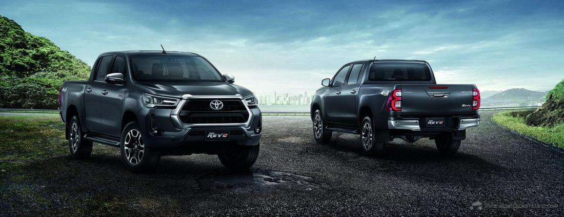 2021-Toyota-Hilux-24