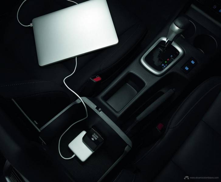 2021-Toyota-Hilux-32