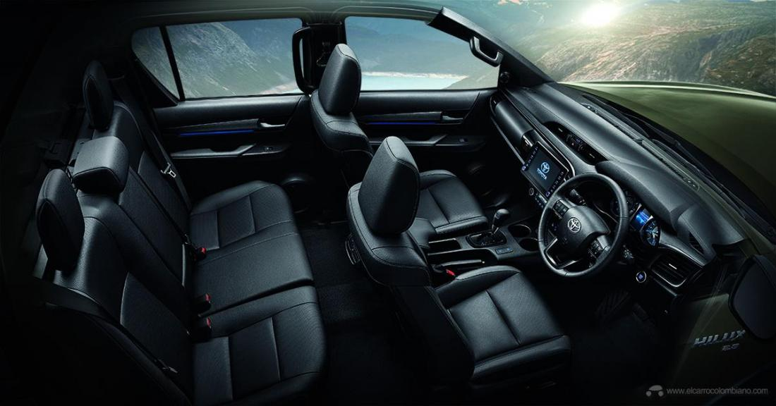 2021-Toyota-Hilux-40