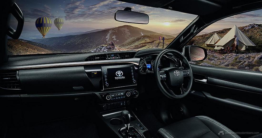 2021-Toyota-Hilux-41