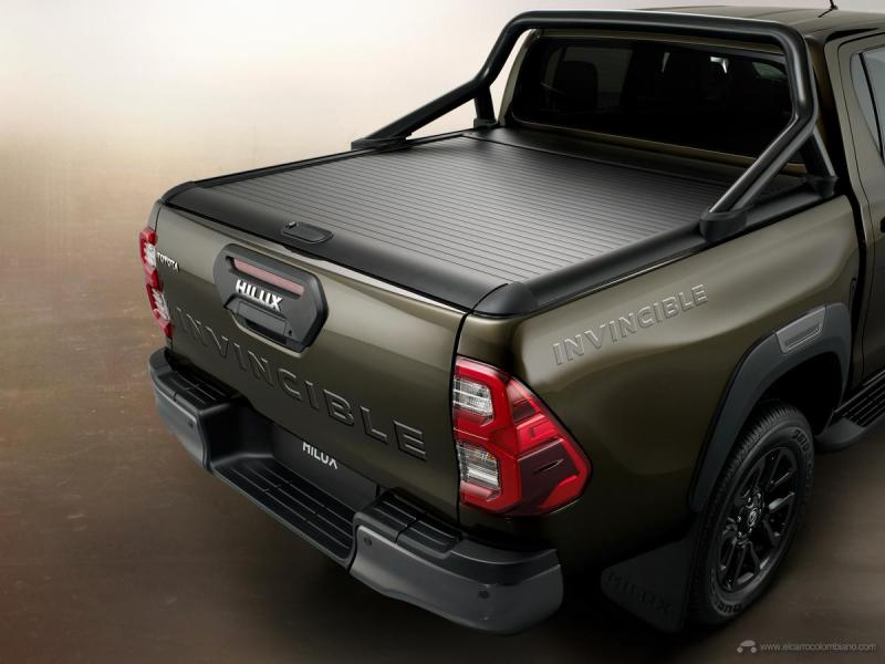 hiluxdetailrolldesk4aclosed