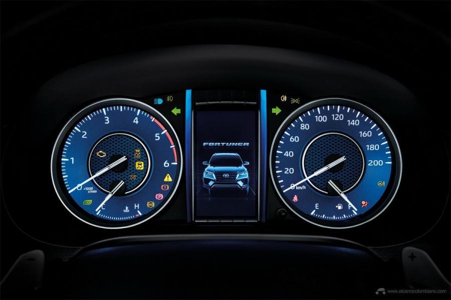 Toyota-Fortuner-07