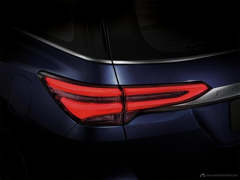 Toyota-Fortuner-10