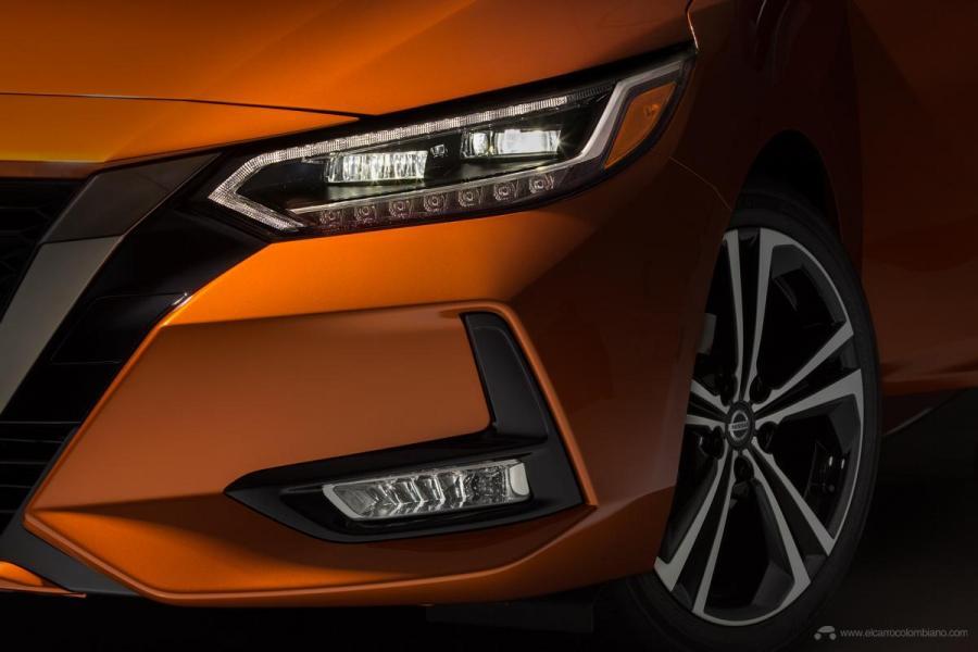 2020-Nissan-Sentra_O-11