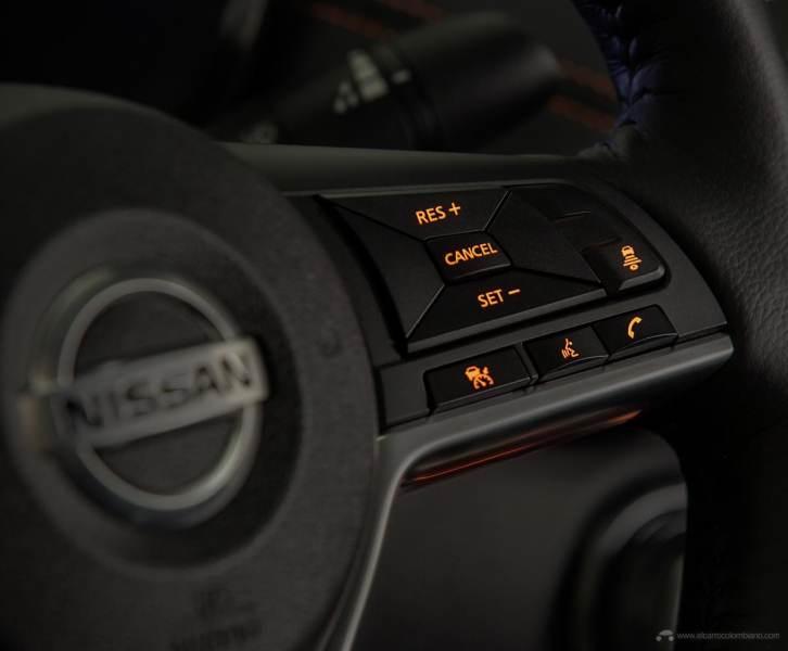 2020-Nissan-Sentra_O-4