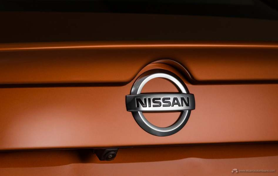 2020-Nissan-Sentra_O-7