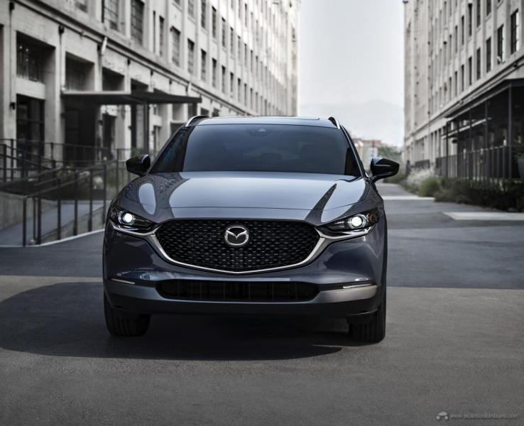 2021-Mazda-CX-30-2.5-Turbo_03