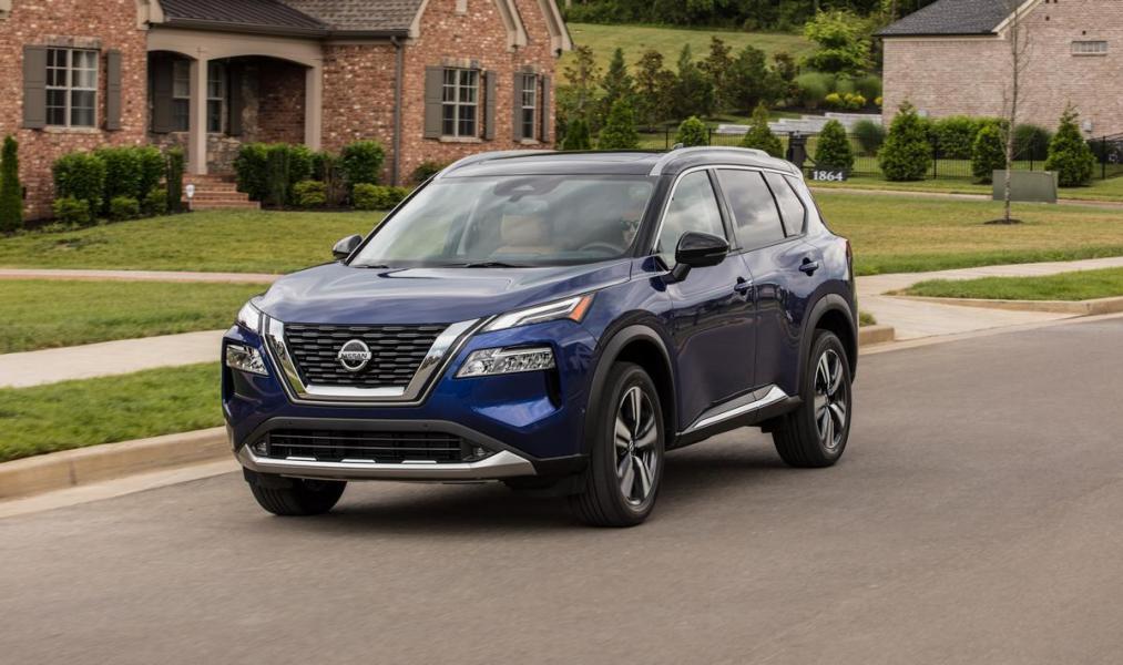 2021-Nissan-Rogue_Blue-2