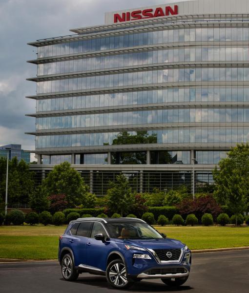 2021-Nissan-Rogue_Blue-24
