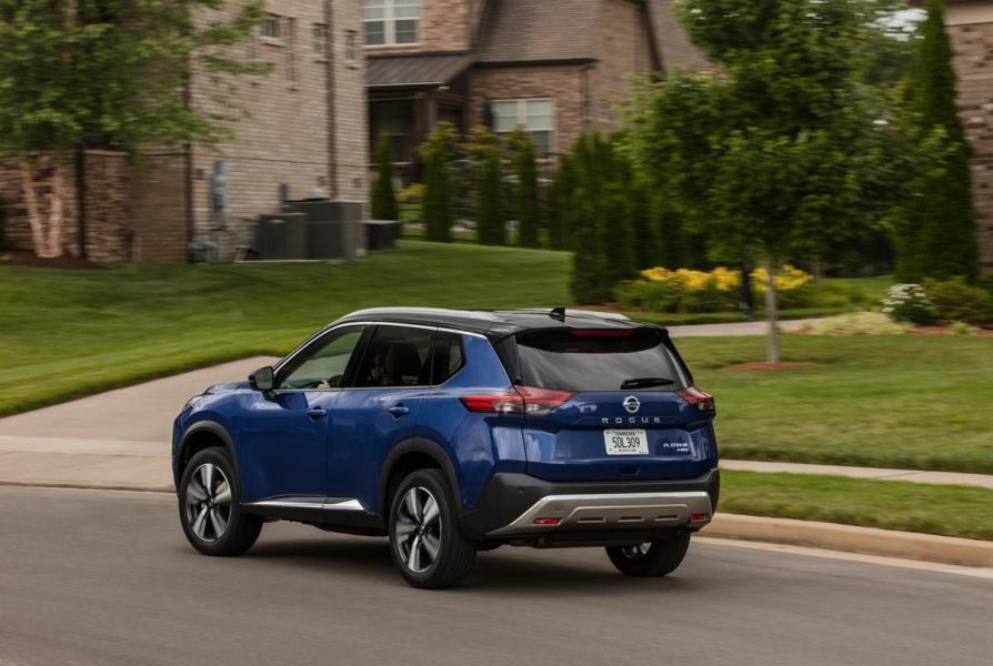 2021-Nissan-Rogue_Blue-8