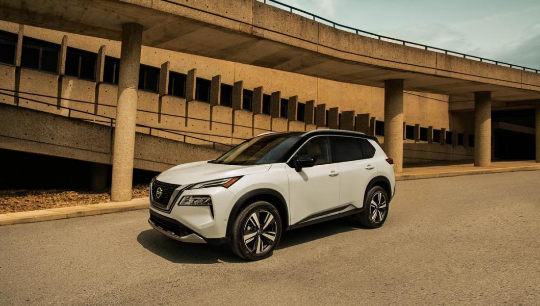 2021-Nissan-Rogue_White_009